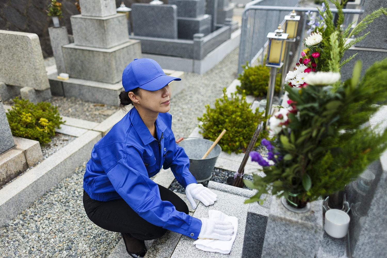 お墓の清掃・お参り代行サービス